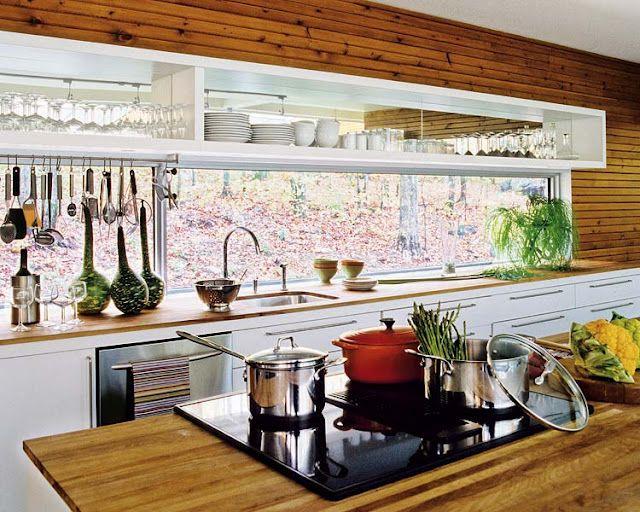 arquitrecos - blog de decoração: Janela sob armários da cozinha. Solução eficiente de iluminação e ventilação