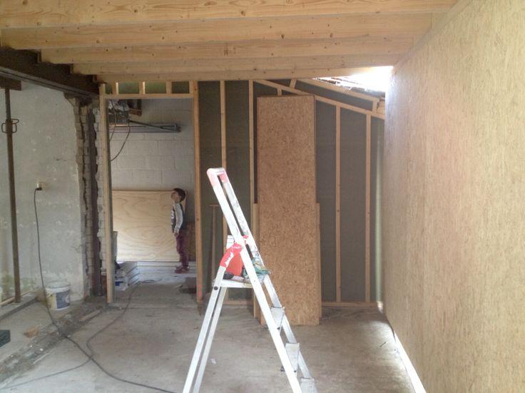 30-10-2015: De uitbouw met toegang naar de nieuwe badkamer en garage.