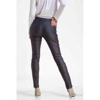 """Spodnie """"rurki"""" z materiału imitującego skórę, grafitowe"""