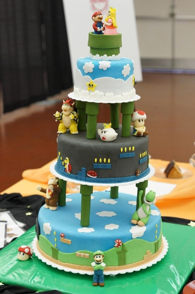 Mario and Peach - Super Mario Bros. | 27 Delectable Geeky Cakes Almost Too Pretty To Eat
