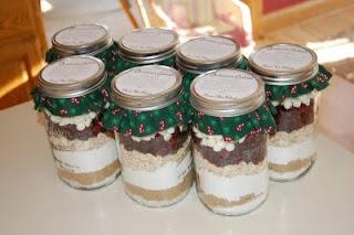 Christmas Cookies in a JarCookies Mixed, Christmas Gift Ideas, Teachers Gift, Jars Gift, Christmas Cookies, Neighbor Christmas Gift, In A Jars, Cookie Jars, Cookies Jars