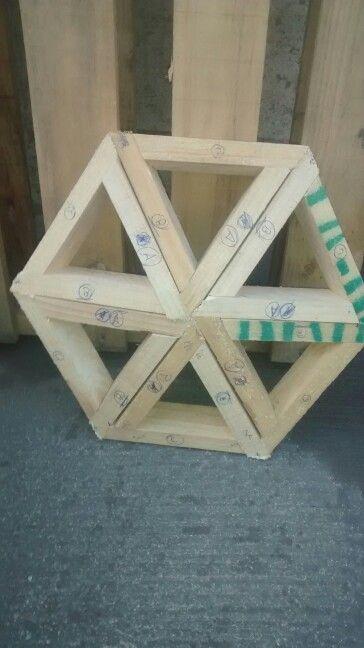 Hexagono listo!!!!! Ahora a cortar el resto y empezar con el ensamble del domo de muestra :)