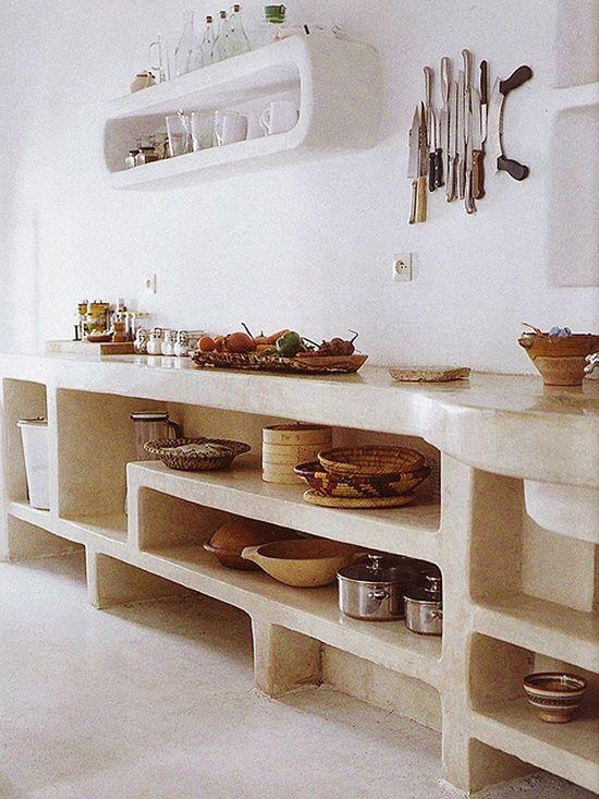 Open storage in Kitchen inspiratie beeld voor molilti-interieurmakers.nl en betonlookdesign.nl Tadelakt keuken, stonelook keuken, betonstuc keuken, betoncire keukenblad