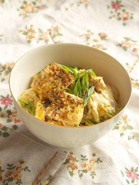 Tofu & Egg on Rice 絹ごし豆腐の玉丼(ぎょくどん=たまご丼)