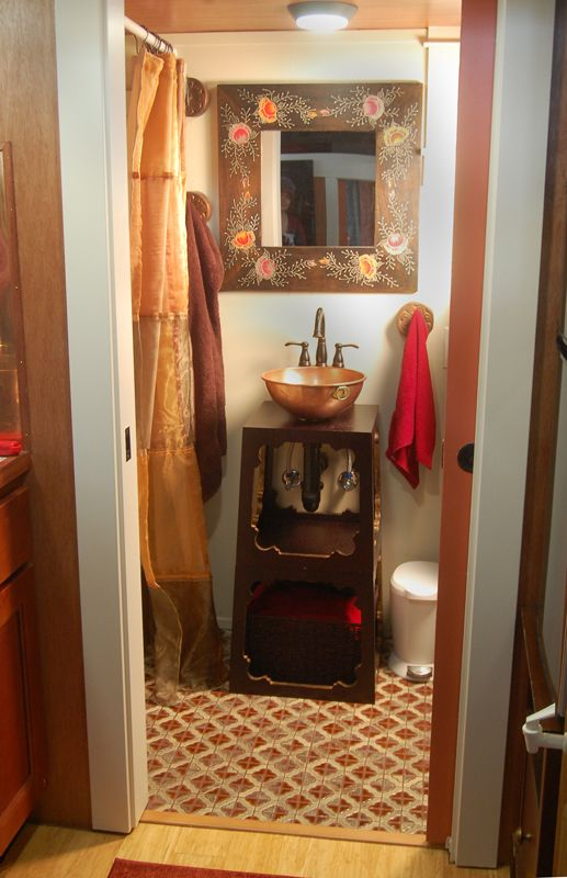 Tiny House on Wheels - Soak - Copper sink in bathroom