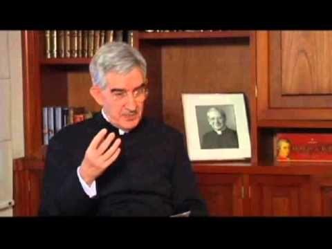 Entrevista del Padre Javier Medina Bayo, autor de la Biografía de Don Ál...