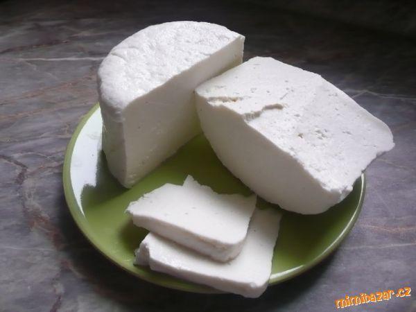 V poslední době se u nás dost rozšířil prodej čerstvého mléka z automatu. Tak proč toho nevyužít udě...