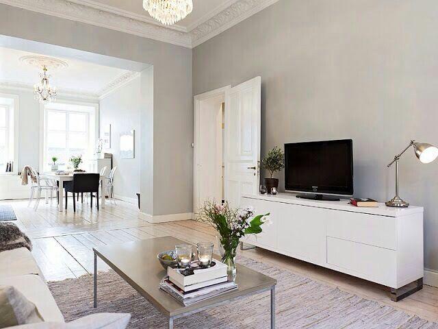 Puertas con cuarterones y combinaci n de colores puertas for Colores grises para paredes interiores
