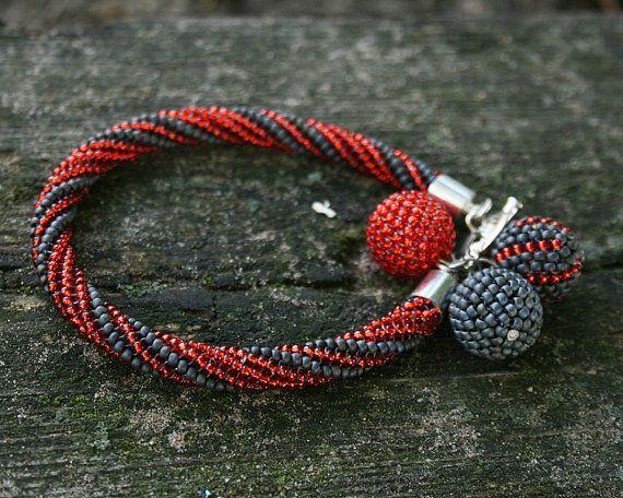 Red Bracelet Grey Beaded bracelet SEED BEAD bracelet beaded #RedBracelet #RedGrey #BeadedBracelet