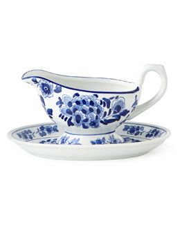 H2U7F NM EXCLUSIVE Traditional Gravy Boat & Stand
