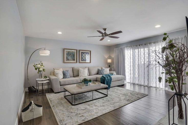Scottsdale Vacation Rental | A Luxury Townhome Fit for a King! Minutes to Old Town Scottsdale, Fitness Center, Heated Pool & Spa! | Home Rental on iTrip.net #arizona #family #rental #itripvacations