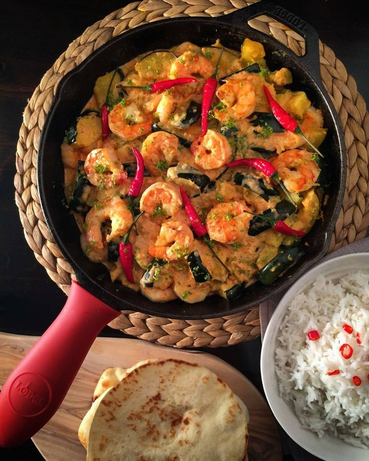 In need of a #MeatlessMonday meal today... Shrimp & acorn squash red curry. Simple, delicious and quite filling! Have a wonderful week! @zimmysnook