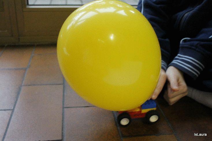 Come giocare con palloncino e macchinina dei Lego
