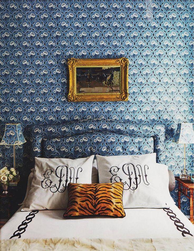 Ellen Niven's blue & white print room