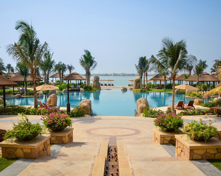 Poolside massages and beautiful views at the Sofitel Hotel & Resort, Palm Jumeira, Dubai.