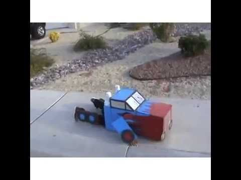 Funny video of a little kid Tranforming in his Optimus Prime Transformer costume. http://trendingcurrentevents.com/low-budget-transformer-video-kid-transform...