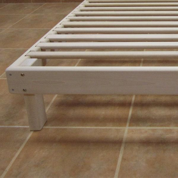 17 migliori idee su somier cama su pinterest molle letto - Hacer una cama de madera ...