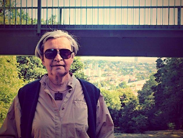 Brněnská socioložka a bioložka profesorka Hana Librová (nar. 1943) se odborně zabývá environmentálními souvislostmi způsobu života a hodnotovými řešeními ekologických otázek. Poslechněte si četbu z knížek, které jsou výstupy z jejího dlouholetého odborného výzkumu.