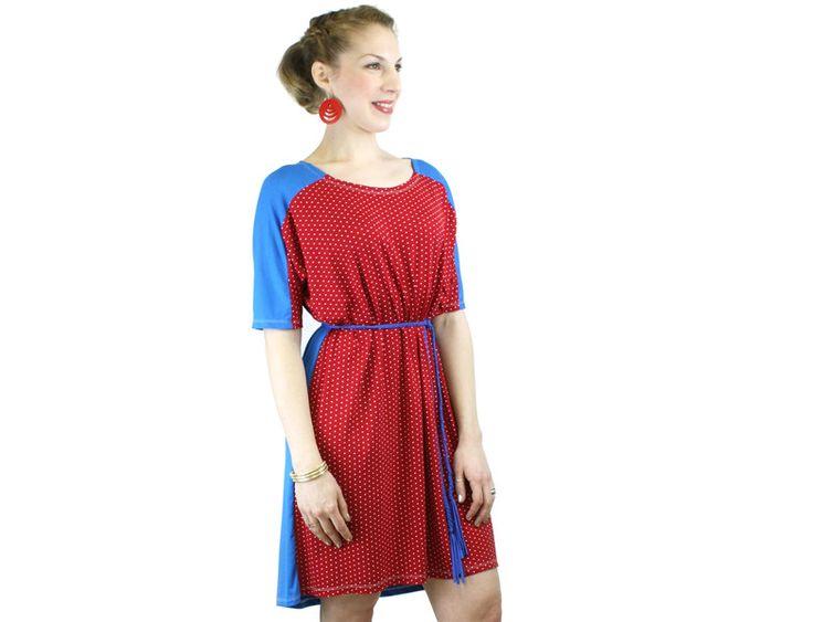 Knielange Kleider - Kleid Sommer Punkte blau rot - ein Designerstück von JAQUEEN-handmade-streetwear-berlin bei DaWanda