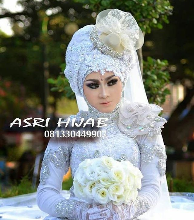 "167 Suka, 3 Komentar - ASRI HIJAB (@asri_hijab_wedding_organizer) di Instagram: ""ASRI HIJAB RIAS PENGANTIN KHUSUS HIJAB,  SPESIALIS MAKE UP NO CUKUR ALIS DGN PERIAS2 WANITA TULEN…"""