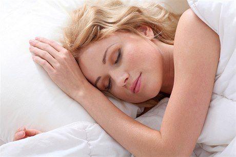 Jaká pozice je pro dobrý spánek ideální?