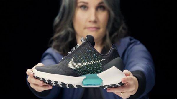 Lacing sneakers, Nike, Nike shoes girls