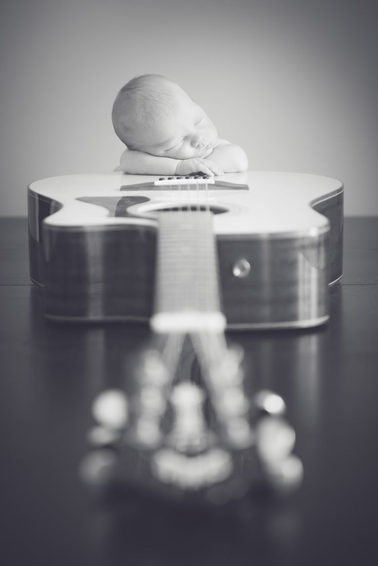 Newborn Guitar Pose   © Melisa Christine Photography
