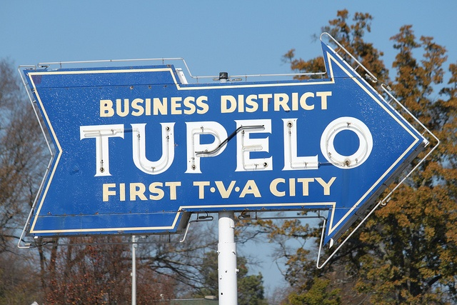 Tupelo Sign    The Tupelo arrow sign is a local landmark and proudly announces the city's claim as the first to get Tennessee Valley Authority electric power. Of course, Tupelo is also the birthplace of Elvis.