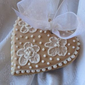 Sweet n Pretty Iced Heart Cookies by Sweet 'n' Pretty