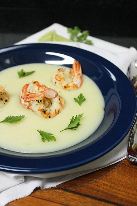 Vichyssoise Thai - um delicioso creme de batatas e alho-poró com camarões e leite de coco   Blog Figos & Funghis