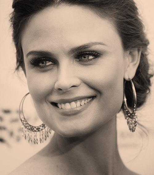 Emily Deschanel-one of my absolute favorites
