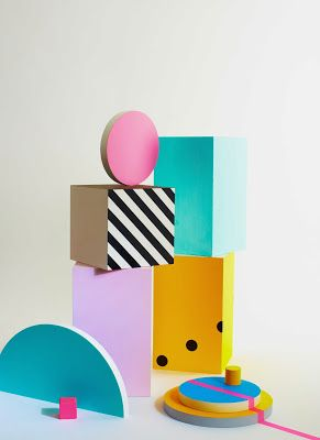 Mise en scène photo par Natalie Dinham # experimenting with shape & colour # inspired by the Memphis group                                                                                                                                                                                 More