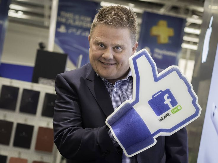 Tällä työpaikalla pitää roikkua Facebookissa – Sisäinen viestintä suljetussa somessa Elektroniikkaketju Gigantti on ottanut yhtenä ensimmäisistä yrityksistä maailmassa käyttöön Facebookin yritysversion sisäiseen viestintään ja ryhmätyöskentelyyn. Kai Brück.