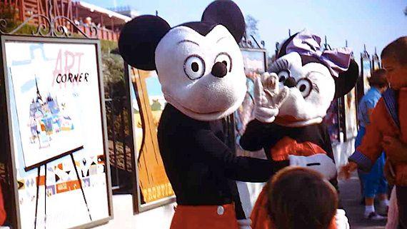 Mega Creepy: Vintage Disneyland Costumes via @Incredible Things