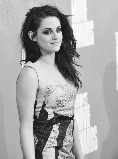 Kristen. She is not my favourite but i LOVE the hair