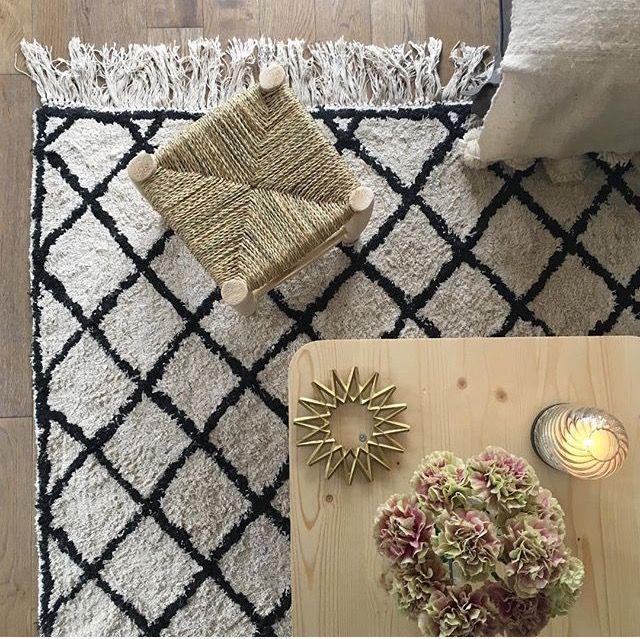 plus de 25 id es tendance dans la cat gorie motif berbere sur pinterest berb res symbole. Black Bedroom Furniture Sets. Home Design Ideas