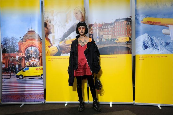 Georgeous 'Gold Erika' on her way to go to Plasti…