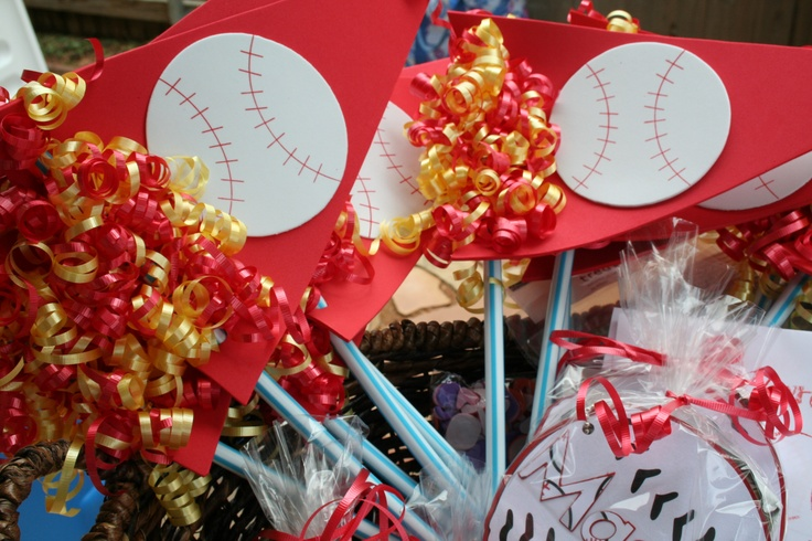 Baseball Pennants- fun for parties (attach to giant pixie stick!): Baseball Angel, Parties Attached, Baseb Fun, Straws Pennant, Parties Ideas, Baseb Pennant, Pixie Sticks, Parties Time, Baseball Pennant