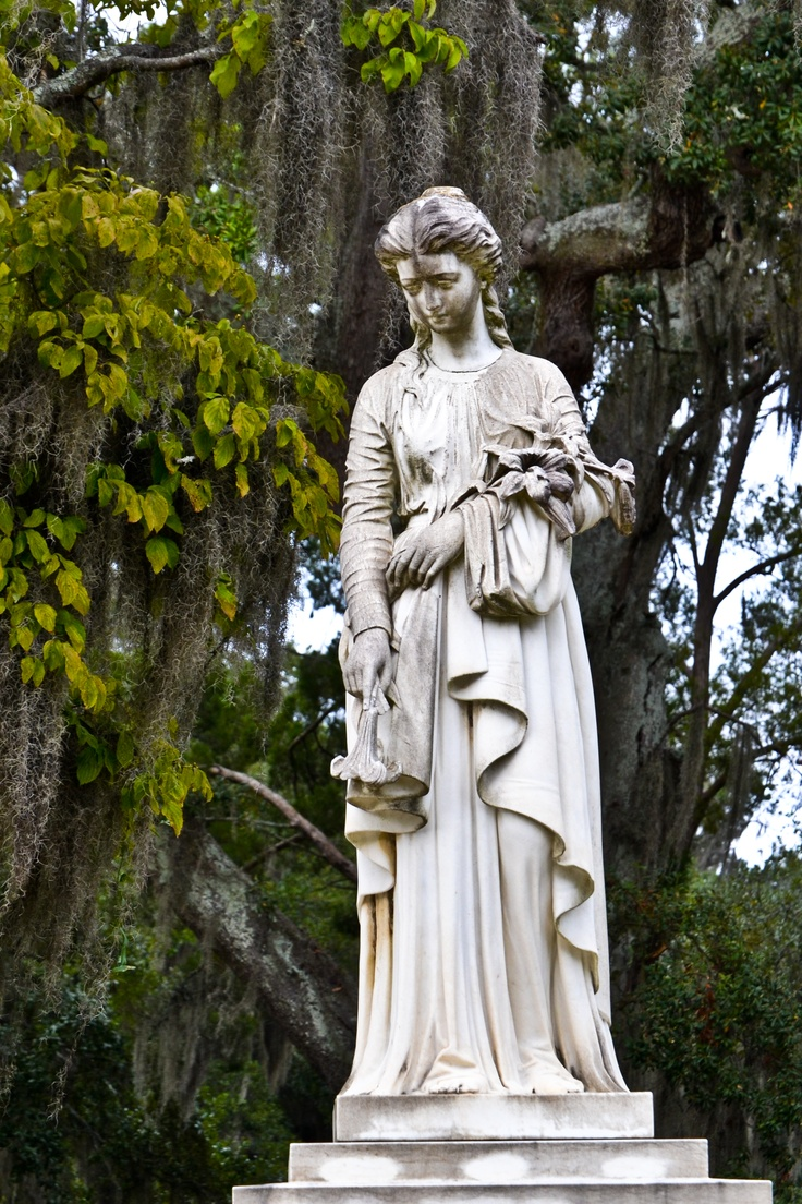 1000 images about bonaventure cemetery on pinterest good and evil angel statues and savannah usa for Garden of good and evil statue
