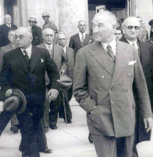Atatürk çok şık