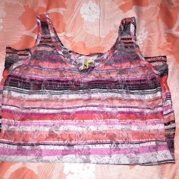 Buckle layering lace tank top XL  Buckle layering love tank top- XL - smoke free home.  Gently used. Buckle Tops Tank Tops