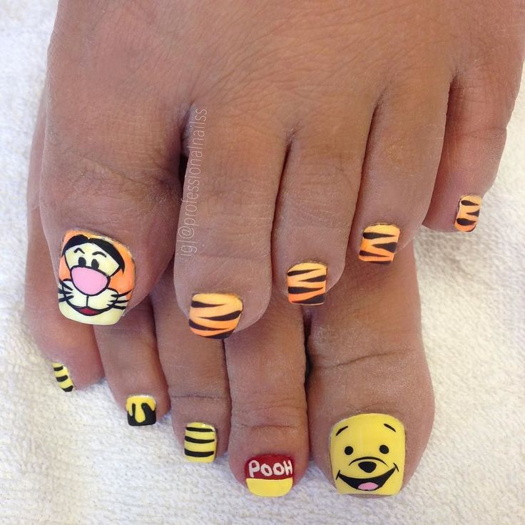 Winnie the Pooh. He's waiting for you. And Tigger too. He's bouncing for you. So put on your shoes and do it too  #woohoo #winniethepooh by professionalnailss