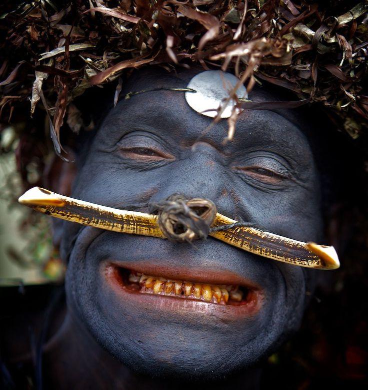 Goroka, Eastern Highlands, Papua New Guinea   © Ingetje Tadros