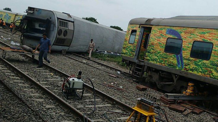 Exclusive Visuals Duronto Express Accident || A Real Footage by locals s...