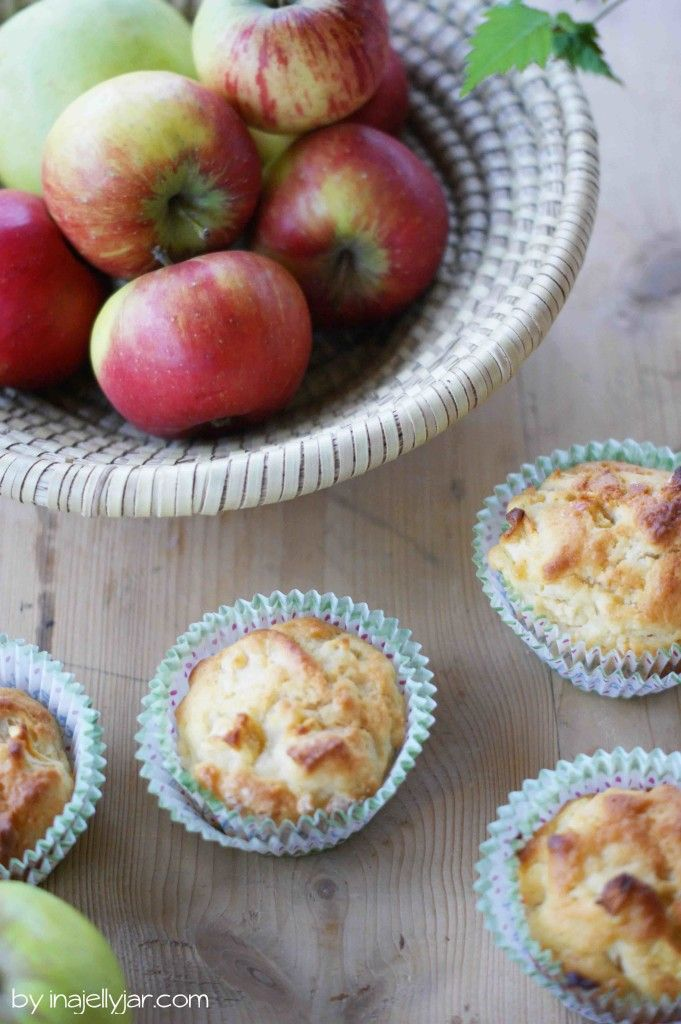Einfache Apfelmuffins | die Muffins gehören zu den Basics in jeder Küche - sie sind super saftig und ruckzuck gemacht.