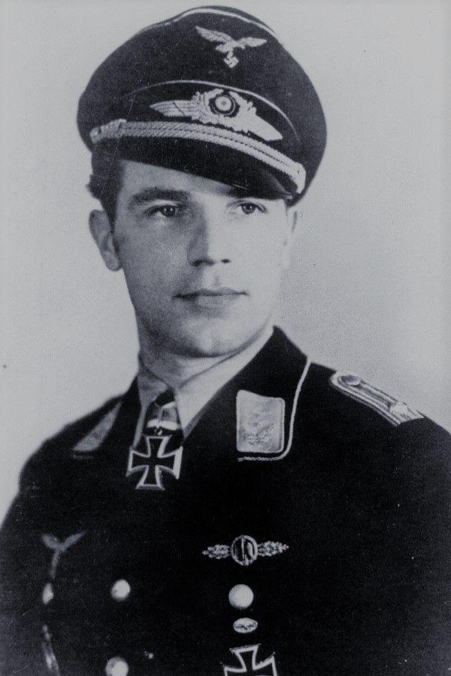 Oberleutnant Paul Gildner (1914-1943), Flugzeugführer in der 3./Nachtjagdgeschwader 1, Ritterkreuz 09.07.1941, Eichenlaub (196) 26.02.1943
