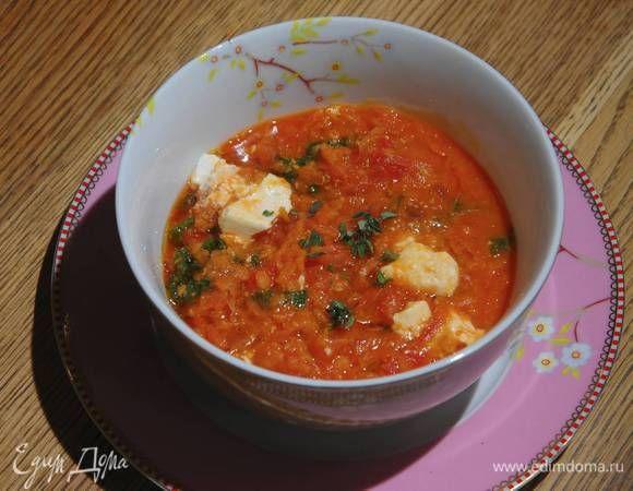 Чечевичная похлебка с капустой кале, свеклой и помидорами. Ингредиенты: чечевица красная, капуста кале замороженная, свекла