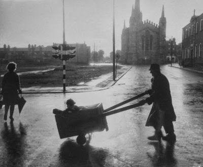 DUBLIN DOWN MEMORY LANE: Dorset Street 1964