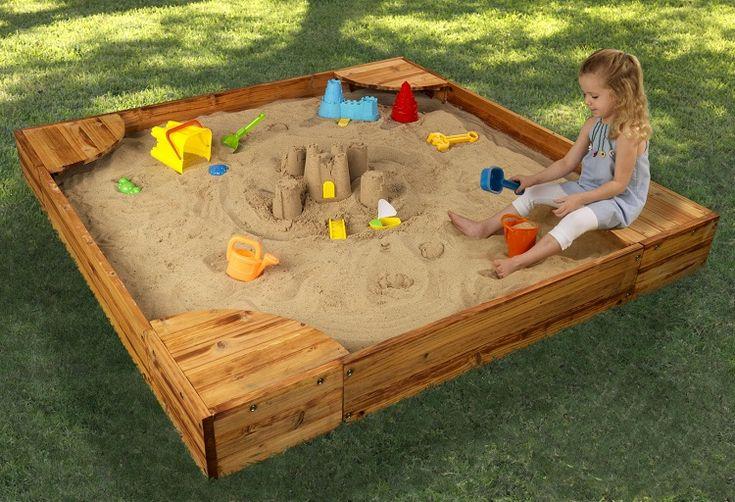 bac à sable en bois en forme carrée avec sièges dans les coins à faire soi-même
