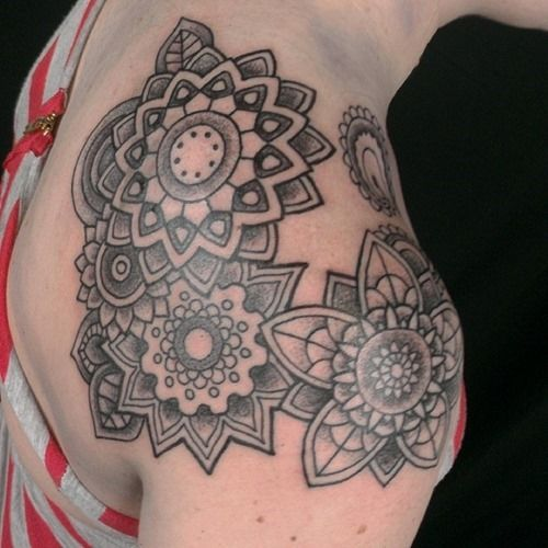 25 Amazing Mandala Tattoo Designs (25)